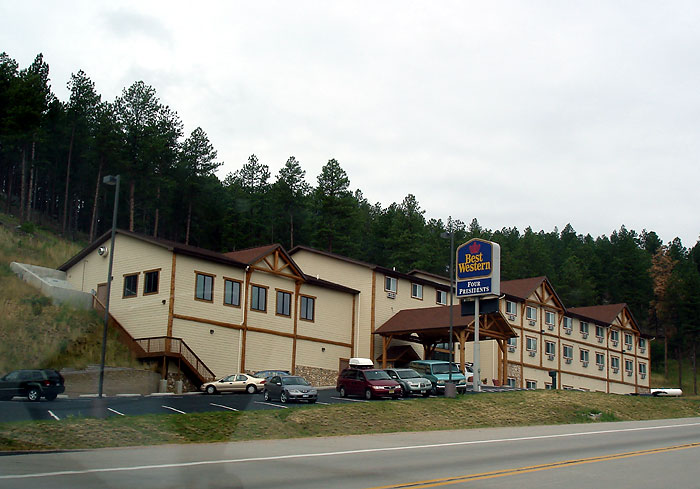 The Powder House Lodge Motel And Restaurant North Of Keystone Best Western Hotel Four Presidents Located